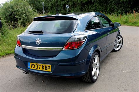 vauxhall astra vauxhall astra sport hatch 2005 2010 photos parkers