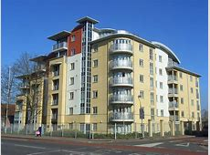FileApartments, King's Road, Reading geographorguk
