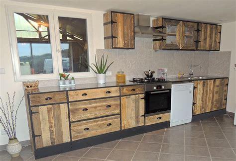 refaire cuisine en bois cuisine en bois de palette maison moderne