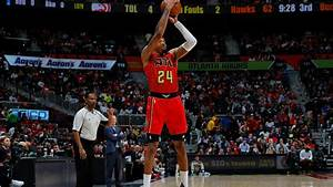 Kent Bazemore out at least 2 weeks with sprained ankle