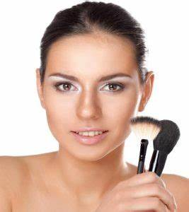 How To Apply Airbrush Makeup  stylecrazecom