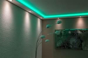 Led Indirekte Beleuchtung : led stuckleisten wdml 200a pr f r indirekte beleuchtung wand u decke ~ Markanthonyermac.com Haus und Dekorationen