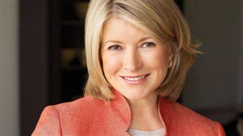 read inspiring business leader biographies