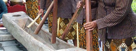 Kata kolintang itu sendiri sebenarnya berasal dari suara. √ 11+ Alat Musik Tradisional Yogyakarta {Penjelasan dan Gambarnya}