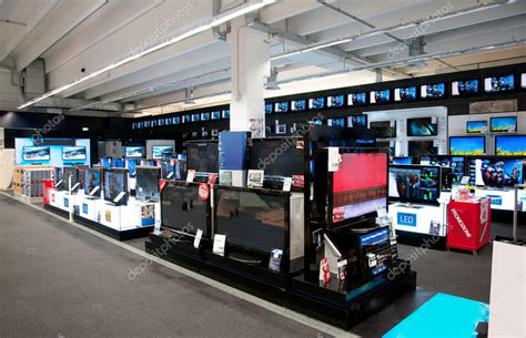 Bid Electronics Big Electronic Retail Store Stock Editorial Photo