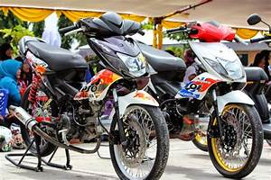 Modifikasi Motor Blade Repsol New