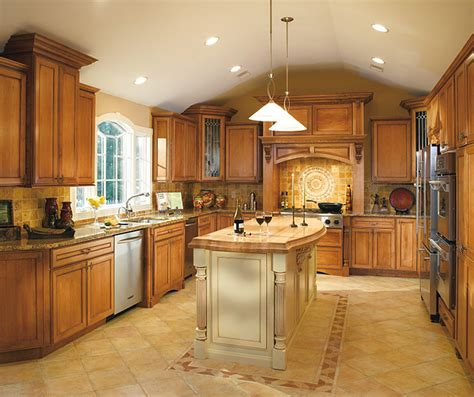 pictures of kitchens with maple cabinets coffee glazed cabinet finish on maple decora 9123