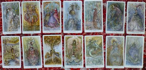 queen  chalices introducing  paulina tarot