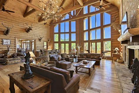 listed     largest custom built log homes