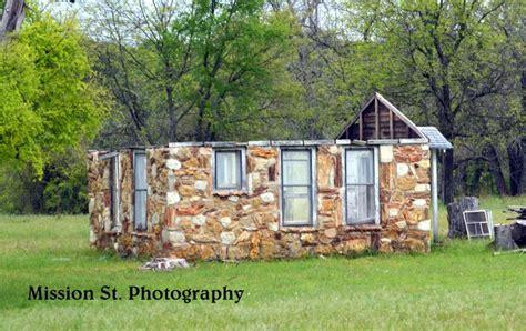 cabins  rivercrest earp park  barnard st house