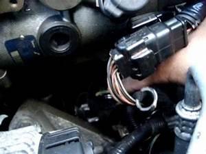 Pompe A Injection Clio 2 : fuite pompe injection clio youtube ~ Gottalentnigeria.com Avis de Voitures