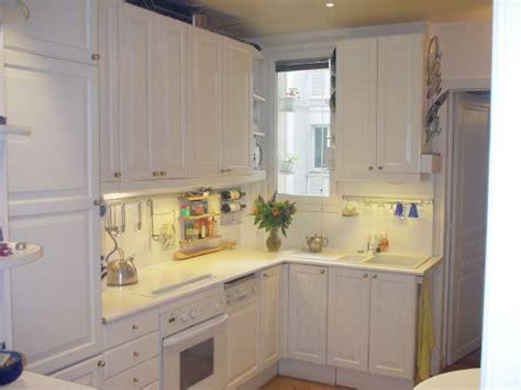 cuisine avec lave linge cuisine avec lave vaisselle vier sale avec la vaisselle
