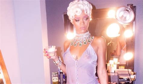 Behind The Scenes Rihanna's 'pour It Up' Video