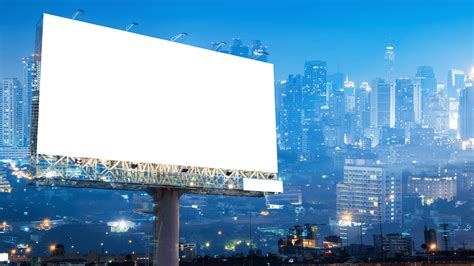 mobile location data turns   home billboards