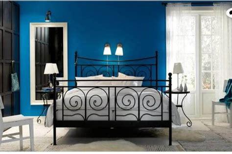 Idee per scegliere i colori della camera da letto