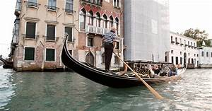 Venice  Walking Tour And Shared Gondola Ride