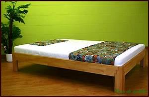 Bett Holz 90x200 : echtholz einzelbett jugendbett 90x200 buche massiv ge lt z bei casa de moblia ~ Markanthonyermac.com Haus und Dekorationen