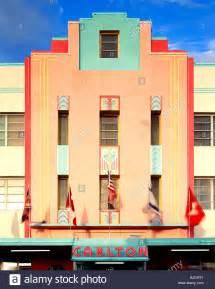 Art Deco Architektur : carlton hotel art deco architektur geb ude in der wiederbelebten south beach miami florida ~ One.caynefoto.club Haus und Dekorationen