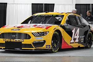 Clint Bowyer's 2019 Monster Energy Cup Series Ford Mustang : NASCAR