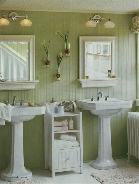 green wainscoting on bathroom walls 1 chroniques d une