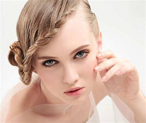 stuck with weak hair try these hairstyles for damaged hair