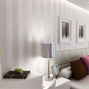 Tapeten Mit Streifen : die besten 25 tapeten wohnzimmer ideen auf pinterest wandtapete wohnzimmer wohnzimmer tapete ~ Frokenaadalensverden.com Haus und Dekorationen