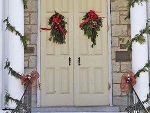 27 Low Cost Christmas Decorations You Can Make Yourself
