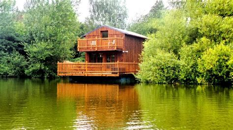 louez une cabane flottante de 50m 178 224 colleville introuvable