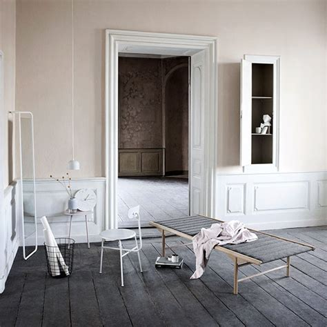 Leo & Bella   Menu Yeh Wall Table Low Nude Pink