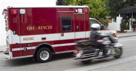 paramedics earn ehow uk