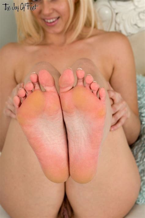Anna Joy Posing Naked Showing Off Her Bare Feet Of
