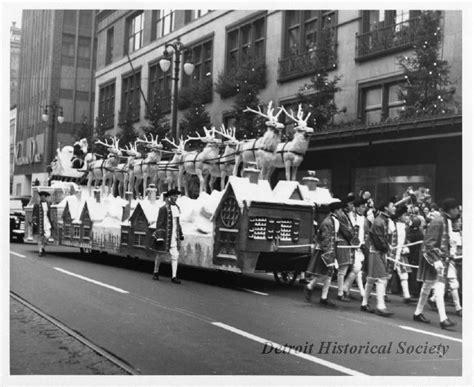 detroits thanksgiving day parade fun facts