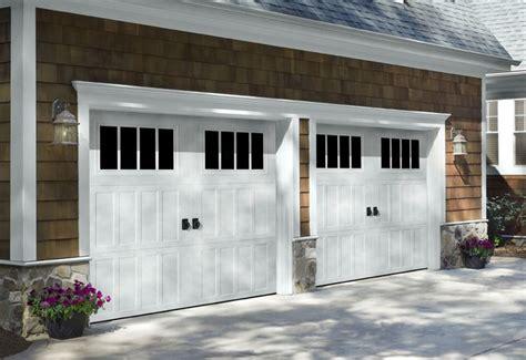 Garage Door Style Windows by Garage Door Styles Carriage House Garage Doors
