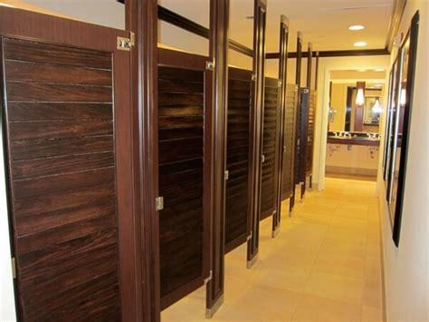 handicapped bathrooms     resort