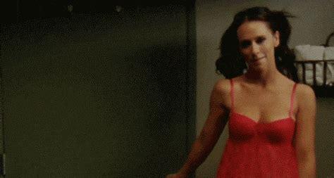 Jennifer Love Hewitt Garfield Find Share On Giphy