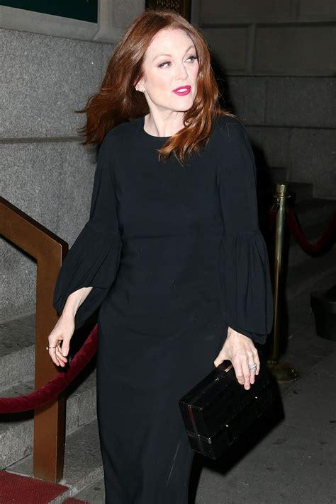 julianne moore  acrias  anniversary holiday dinner   york  hawtcelebs