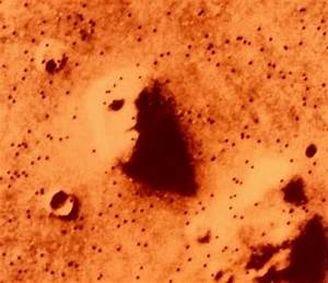 Obama's head on Mars?   Fellowship of the Minds