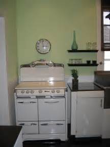 New Vintage Stove in Kitchen