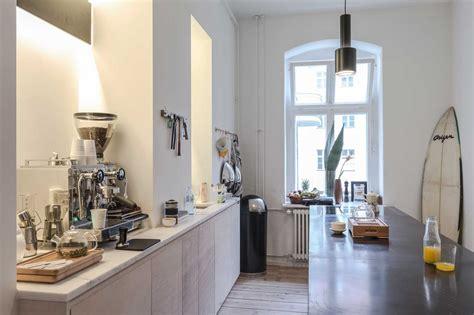 freunde freunden berlin fvf apartment berlin by freunde freunde and vitra yellowtrace