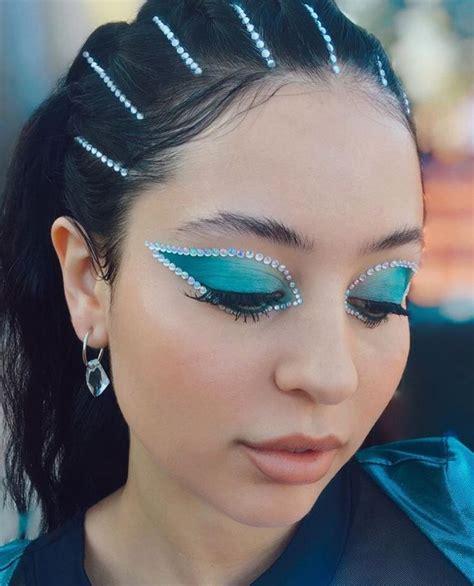 alexa demie  twitter artistry makeup daring