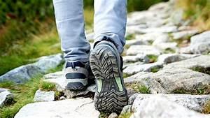Choisir Ses Chaussures Et B U00e2tons De Randonn U00e9e