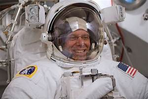 Space in Images - 2009 - 05 - ESA astronaut Christer ...