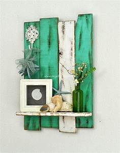 Diy wooden pallet wall decor recycled things for Pallet wall decor