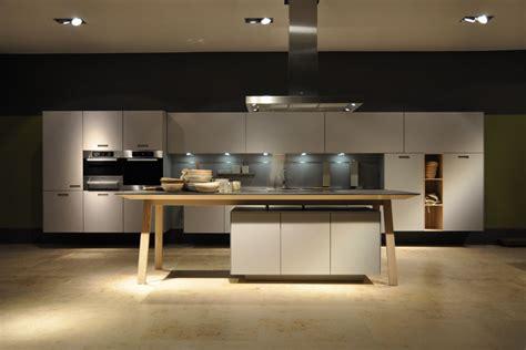 magasin de cuisine haut de gamme bordeaux gironde vente et installation de cuisines et salle de