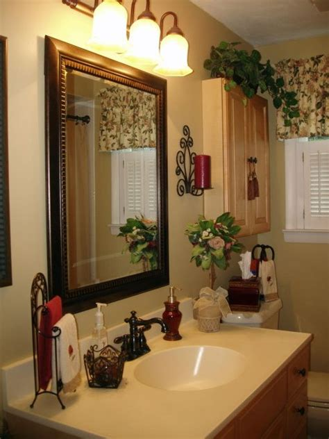 Bathroom Decor Ideas Pictures by 25 Best Ideas About Tuscan Bathroom Decor On