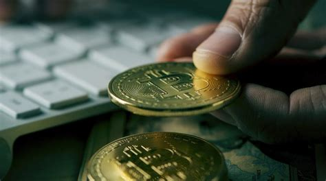 A bitcoin exchange is a market where you can buy or sell bitcoin using fiat currency or any other cryptocurrency. Bitcoin investors withdraw their BTC from the stock market-Somag News