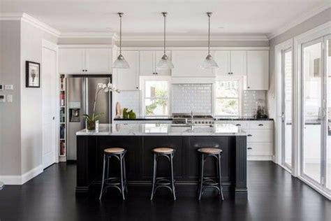 kitchen island  white quartz counter top