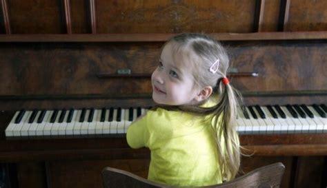 Iemesli, kāpēc bērnu izglītot muzikāli. Trīs bērnu mammas ...