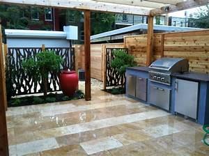Modern Outdoor Kitchen