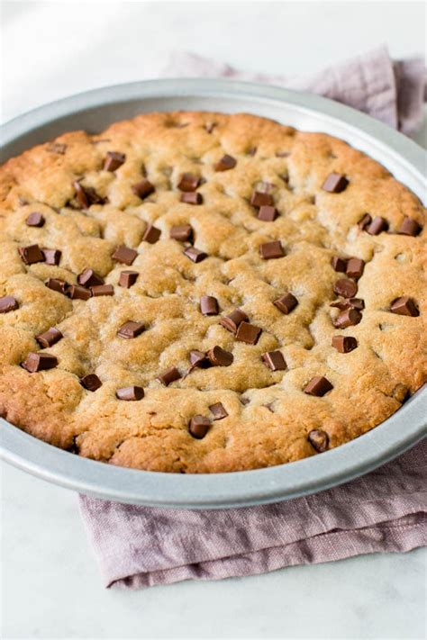 ultimate chocolate chip cookie cake video pretty
